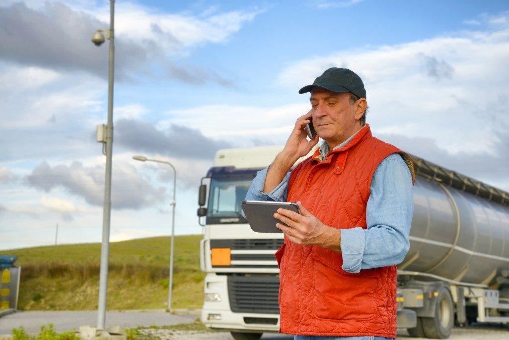 trucker calling a client