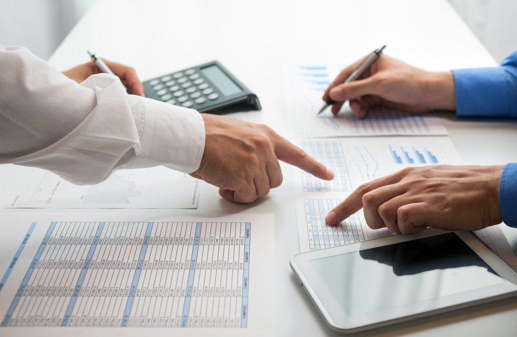 Accountants computing tax
